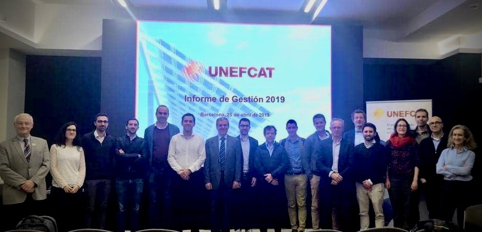 Fotografia de família dels associats a UNEFCAT